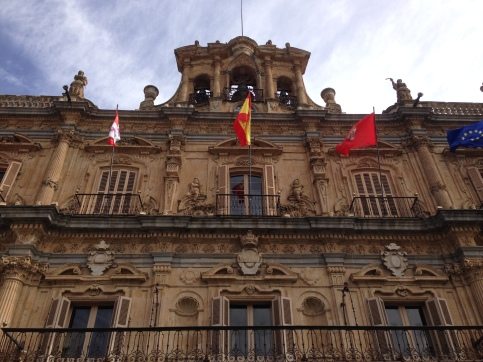 El ayuntamiento (fancy place where officials receive VIPs like us)