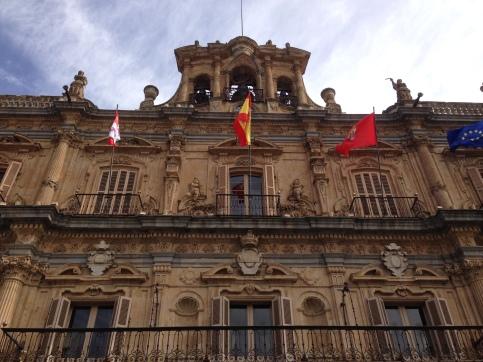 El ayuntamiento (fancy place where officials receive VIPs like us)